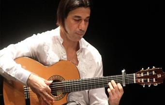 """بمناسبة عيد الحب.. عماد حمدي يعزف  """"حكايات الحب"""" بالأوبرا الأحد"""