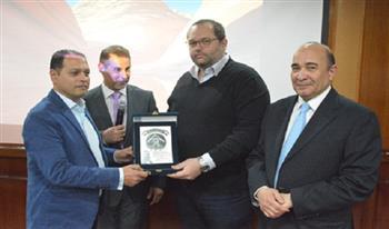 الإعلام والسوشيال ميديا بعيون خبراء الفن والصحافة في احتفالية جوائز «نوال عمر» بالأهرام