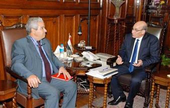 """بالصور.. وزير الزراعة يستعرض مع مدير """"الإيفاد"""" مشروعات التنمية الزراعية المشتركة"""