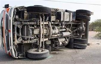 مصرع وإصابة 10 عمال في حادث انقلاب سيارة بالمنيا