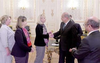 """بالصور.. خلال لقائهم إسماعيل.. وفد """"الصداقة البرلمانية الألمانية المصرية"""": مصر دعامة الاستقرار في الشرق الأوسط"""