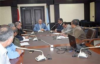 """بالصور.. محافظ البحر الأحمر ورئيس """"المركزى للتعمير"""" يبحثان مشروعات تنمية جنوب المحافظة"""
