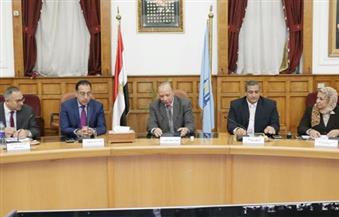 """بالصور.. ننشر تفاصيل اجتماع محافظ القاهرة بوزير الإسكان لتطوير """"مثلث ماسبيرو"""""""