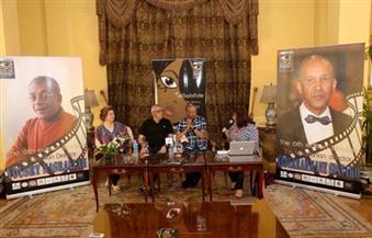 بالصور.. مخرج موريتاني بمهرجان الأقصر للسينما يعترض على اهتمام الإعلام بالنجوم المصريين وتجاهله للأفارقة