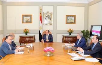 السيسي يجتمع برئيس الوزراء ووزير المالية لاستعراض المؤشرات المالية للأداء الاقتصادي