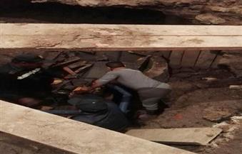 بالصور..انهيار حفرة ومصرع شخص في أثناء التنقيب عن الآثار بالفيوم