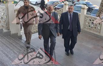 أحمد النجار وقلاش ورشوان  يؤدون صلاة الجنازة على السيد يسين