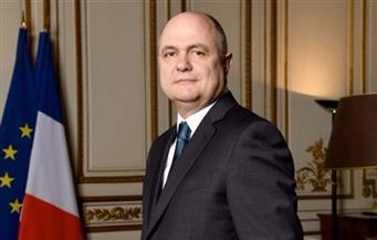 وزير الداخلية الفرنسي يستقيل من منصبه على خلفية تعيين نجلتيه في الجمعية الوطنية