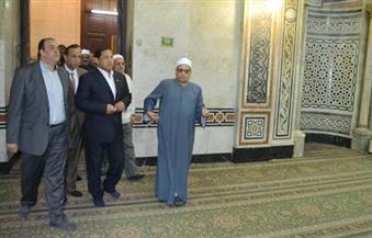 بالصور.. محافظ الغربية يناقش تزويد المسجد الأحمدى بكاميرات مراقبة والتعاقد مع شركة للنظافة