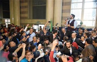 """بالصور.. تامر حسني يشارك في احتفال """"قصر العيني الجديد"""" بعيد الأم"""