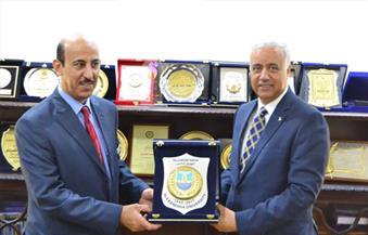 بالصور.. رئيس جامعة الإسكندرية يستقبل المستشار الثقافي السعودي