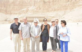 """بالصور.. مجموعة """"الصداقة الفرنسية - المصرية"""" تواصل زيارة المناطق الأثرية والسياحية في البر الغربي بالأقصر"""