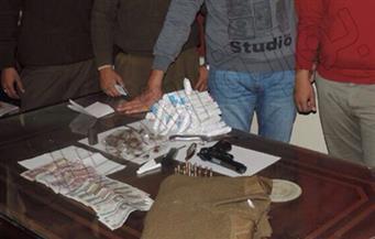 ضبط عنصر إجرامي للاتجار فى المواد المخدرة وبحوزته كمية كبيرة  من مخدر الكوكايين بالقاهرة