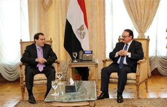 وزير الاتصالات يبحث مع قيادات شركة جوجل فى الشرق الأوسط وإفريقيا فرص الاستثمار بمصر