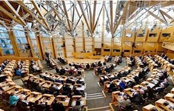 قادة سابقون يدلون بأصواتهم في الانتخابات البرلمانية في إسكتلندا وويلز