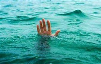 مصرع طفلة غرقا أثناء لهوها أمام منزل أسرتها بالفيوم