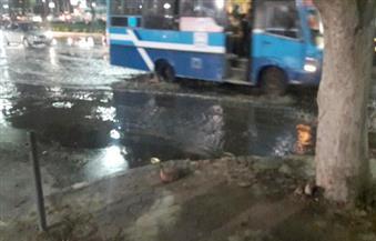 كسر ماسورة صرف صحى يتسبب فى كثافات مرورية بمدينة نصر