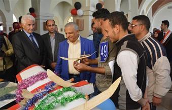 بالصور.. 9 جامعات مصرية وعربية تشارك بمهرجان للطائرات الورقية للجامعات المصرية بالفيوم