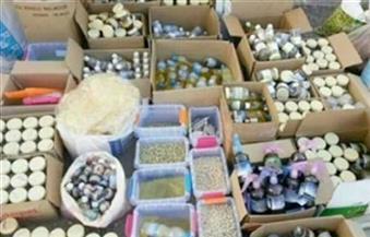 ضبط مكملات غذائية ومستحضرات طبية مجهولة المصدر داخل محل غير مرخص بالإسكندرية