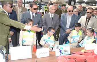 بالصور.. محافظ الغربية يفتتح المدينة المرورية بمجمع خدمات طنطا لتوعية طلاب المدارس