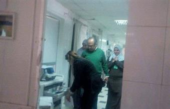 مخالفات بالجملة في مستشفى الفيوم العام.. وعمال البناء بجانب المرضى