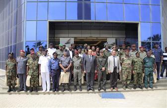 استعرض المنتجات العسكرية والمدنية... الفريق سيف الدين يستقبل 41 وافدًا إفريقيًا لبحث التعاون المشترك
