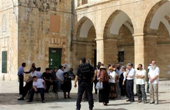 مستوطنون يعاودون اقتحاماتهم للمسجد الأقصى بحراسات مشددة