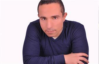 """""""موقع إباحي"""".. ديوان بالعامية لمحمد السنوطي بحس سياسي ساخر"""