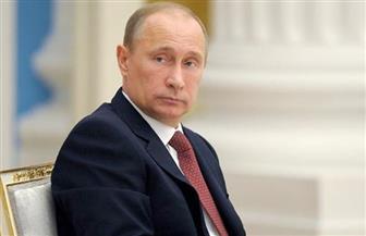 بوتين يصل إلى باريس في زيارة قصيرة يلتقي فيها الرئيس الفرنسي الجديد إيمانويل ماكرون