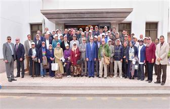 """بالصور.. """"مميش"""" يلتقي عددًا من الوزراء السابقين وأعضاء جمعية خريجي كلية الهندسة بجامعة الإسكندرية"""