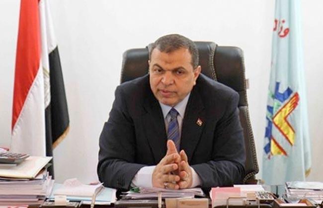 القوى العاملة : 25 أبريل إجازة بأجر للقطاع الخاص بمناسبة تحرير سيناء -
