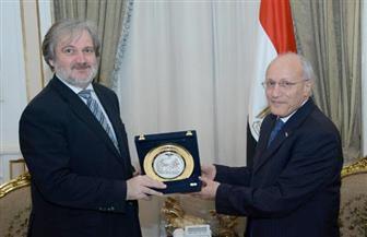 العصار يستقبل السفير الصربي بالقاهرة لبحث سبل تعزيز التعاون بين البلدين