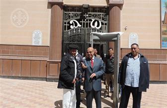 بالصور.. مدير أمن مطروح  يتفقد تأمين الكنائس ويطالب بتوسيع دائرة الاشتباه