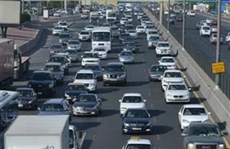 كثافات مرورية بمحاور وطرق رئيسية بالقاهرة والجيزة