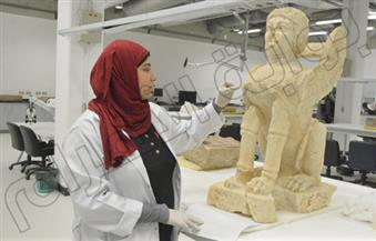 بالصور.. ترميم تمثال الهولة الأسطوري بالمتحف الكبير