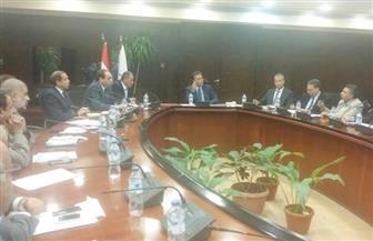 وزير النقل يتابع أعمال صيانة ونظافة وإنارة الطريق الدائري
