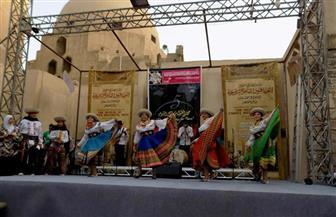 """فرق دولية مختلفة تشارك بـ""""كرنفال الطبول"""" بشارع المعز"""