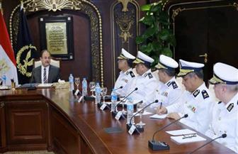 وزير الداخلية يستعرض خطة المرحلة المقبلة مع مساعديه.. ويُشدد على الضربات الاستباقية   صور