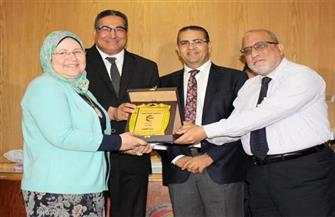 جامعة المنصورة تُكرم  240 من العاملين بالمستشفيات في يوم التميز