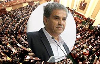 """على خلفية بيع أرض محمية """"الغابة المتحجرة"""".. هل يكون خالد فهمي أول وزير يتم """"سحب الثقة"""" منه؟"""