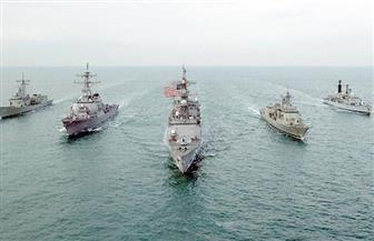البحرية الأمريكية توجه طلقات تحذيرية تجاه سفينة تابعة للحرس الثوري الإيراني