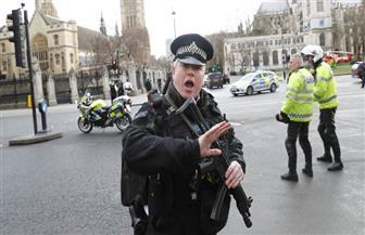 شرطة لندن تصيب أمرأة بالرصاص وتلقي القبض على 4 في عملية لمكافحة الإرهاب