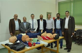 جامعة-أسيوط-تختتم-الدورة-الطبية-لإنعاش-حالات-الإصابات-بمشاركة-علماء-من-الهند-|-صور