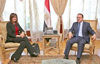 """وزيرة الهجرة تلتقي نظيرها بـ""""الاتصالات"""" لبحث إنشاء """"البطاقة القنصلية"""" للمصريين بالخارج"""