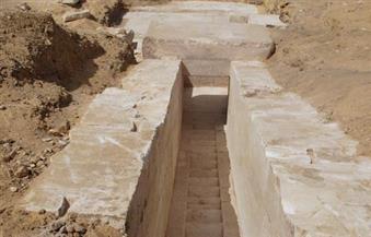 """بالصور.. """"الآثار"""": اكتشاف بقايا هرم يعود للأسرة الثالثة عشرة بجبانة دهشور"""