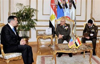 وزير الدفاع يلتقي داريل إيسا رئيس لجنة المراقبة والإصلاح بالكونجرس