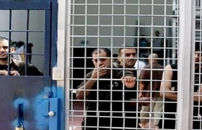 معتقلون فلسطينيون في السجون الإسرائيلية يواصلون إضرابهم عن الطعام لليوم الخامس عشر
