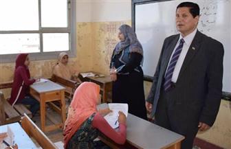 وكيل وزارة التعليم يتفقد لجان الشهادة الابتدائية بقرية الحمراء | صور