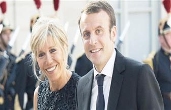"""بعد أقل من أسبوع في """"الإليزيه"""" .. زوجة الرئيس الفرنسي """"حامل"""" على غلاف شارلي إيبدو!"""