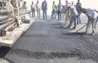 إصلاح وإعادة رصف المسافات المعيبة بوصلة الطريق الصحراوي الغربي بالمنيا
